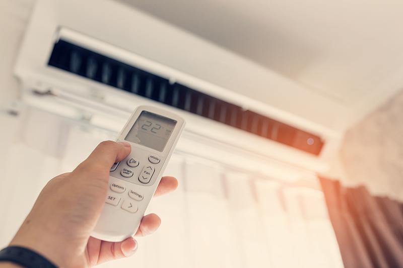 【クーラー代】冷房とドライ、電気料金はどっちがおトク?