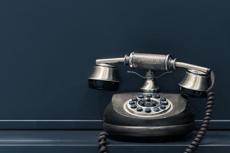 【ここがポイント!】電気の引っ越し、電話での手続きの注意点