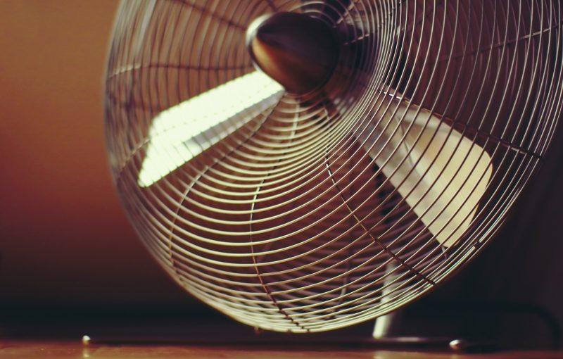 電気代を安くする鍵は扇風機とクーラーの併用